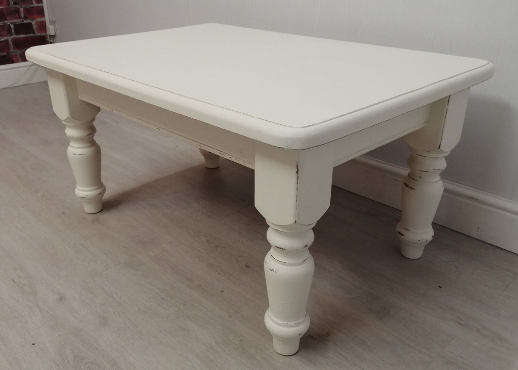 Chalk White' Pine Coffee Table